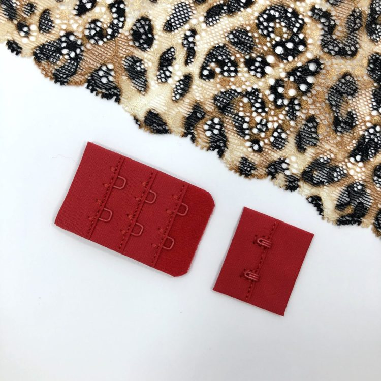 Застёжка текстильная красная 2х3