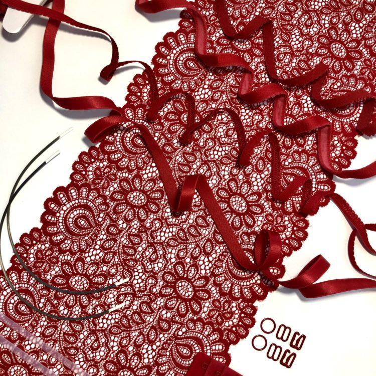 Набор для пошива нижнего белья красный 204
