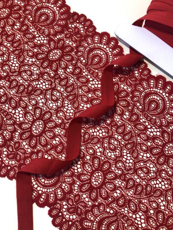 Бейка эластичная 15 мм матовая красная