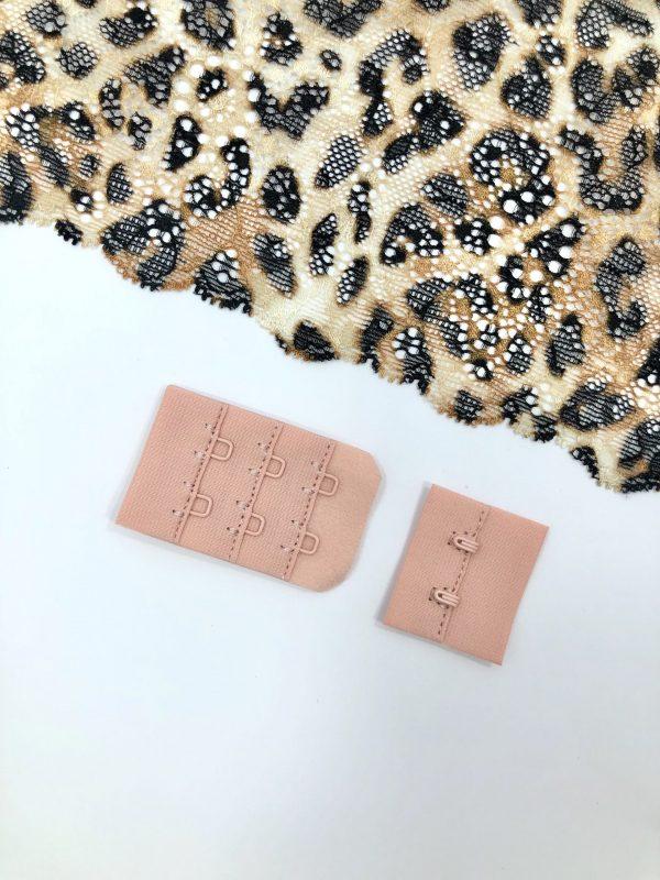 Застёжка текстильная текстильная 2х3 коралловый миндаль