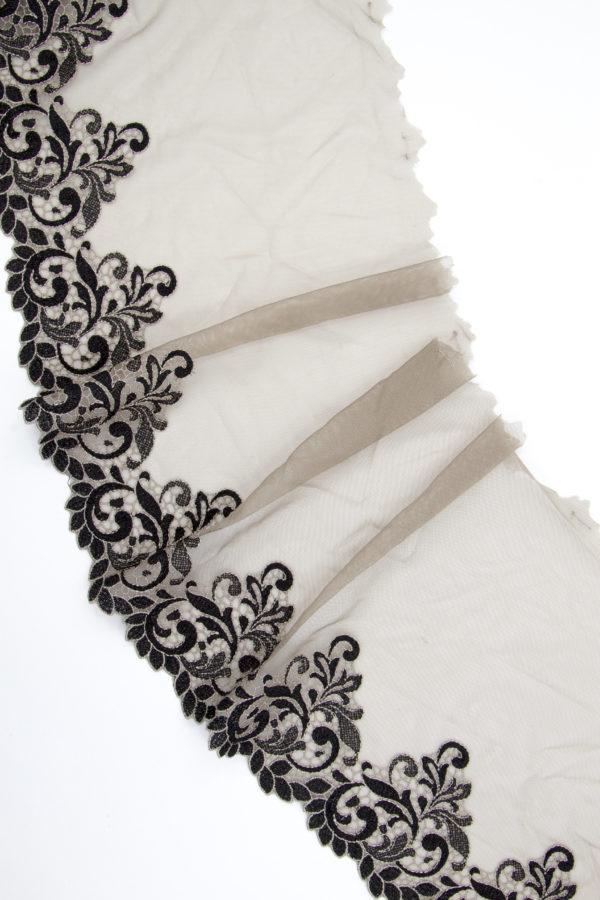 Вышивка на сетке бельевая дымчатая с чёрным
