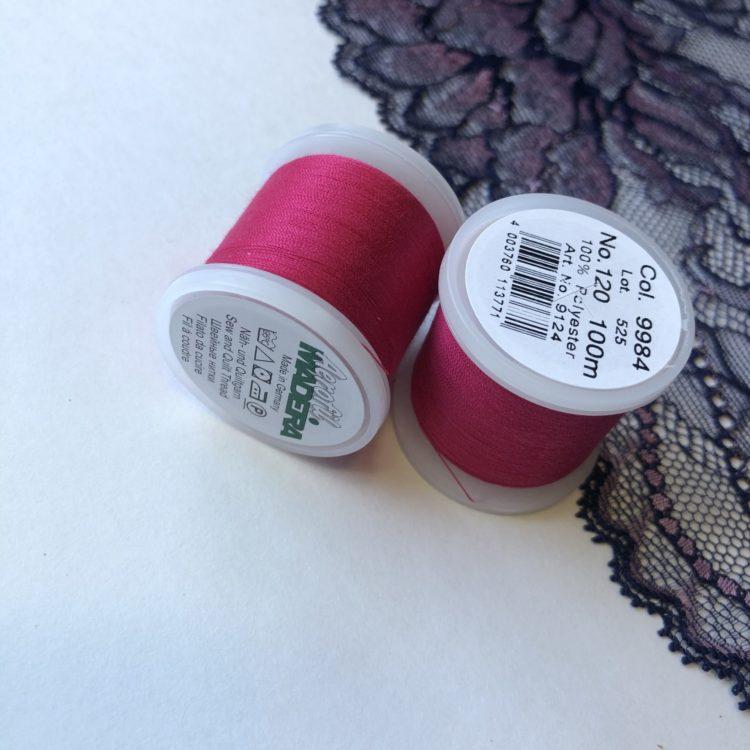 Нитки швейные Madeira aerofil №120 неоновые розовые Col. 9984