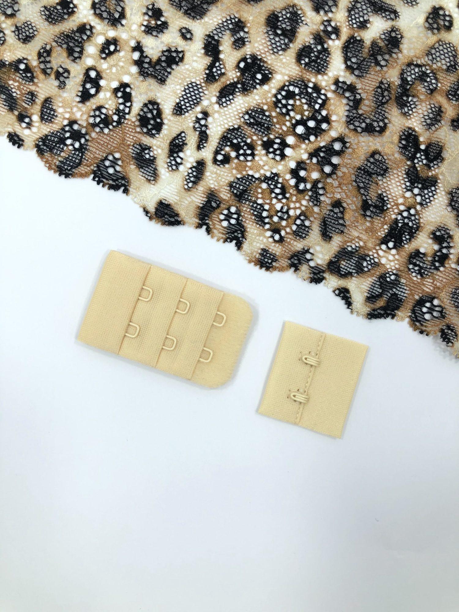 Застёжка текстильная бежевая 2х3