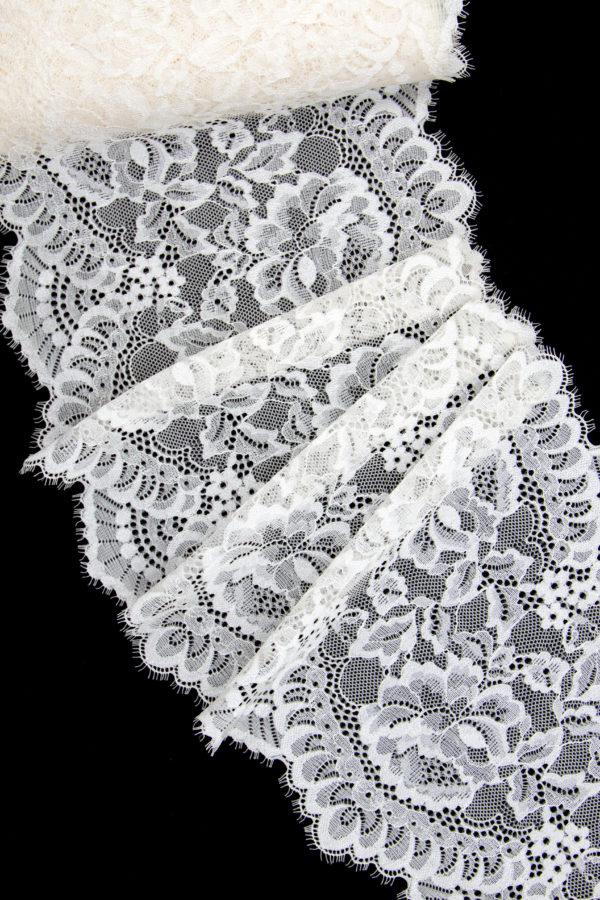 Кружево шантильи с эластаном кремовое