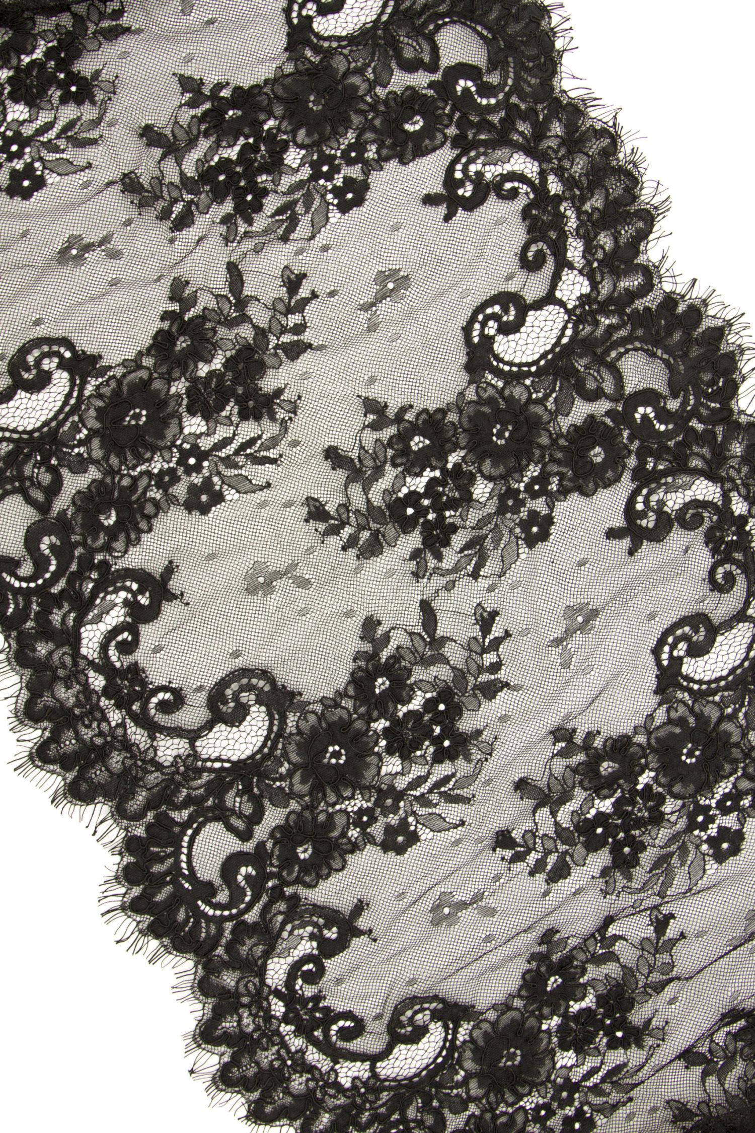 Кружево шантильи без эластана с кордовой нитью чёрное