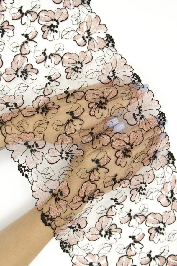 Вышивка на сетке телесная с мультиколором